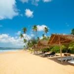 14148249-tropical-beach-in-sri-lanka